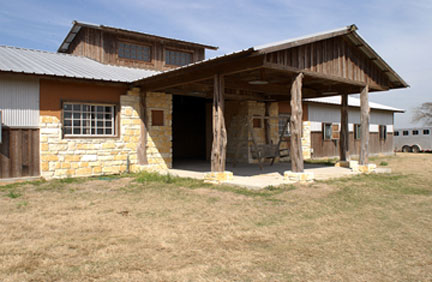 rustic_barn_front